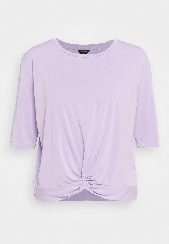 OTILIA - T-shirt basic - light lilac