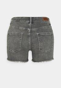 ONLY Tall - ONLBLUSH LIFE - Shorts di jeans - medium grey denim - 1