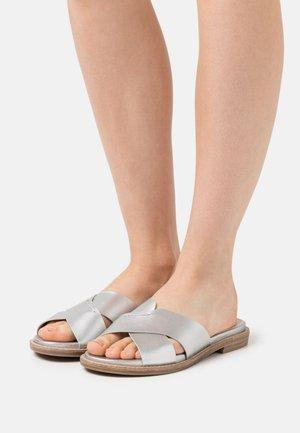Sandaler - metallic