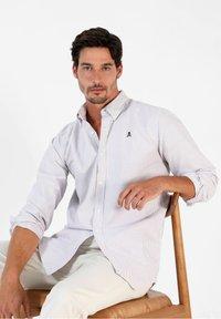 Scalpers - Shirt - burgundy stripes - 3