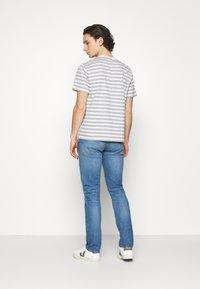 Levi's® Made & Crafted - LMC 502™ REGULAR TAPER - Straight leg jeans - lmc leward - 2