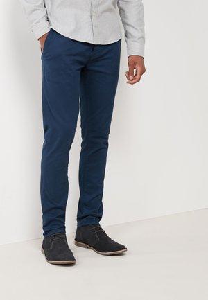 Chinot - blue