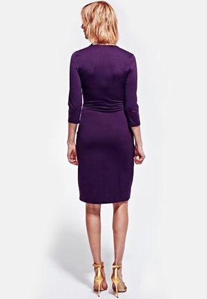 ASCOT  - Shift dress - damson