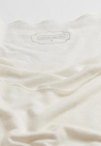 Intimissimi - LANGARMSHIRT AUS CASHMERE ULTRALIGHT - Long sleeved top - vaniglia - 4