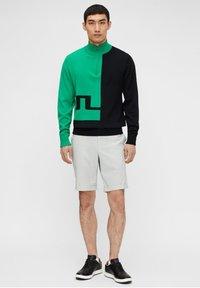 J.LINDEBERG - Sports shorts - stone grey - 1