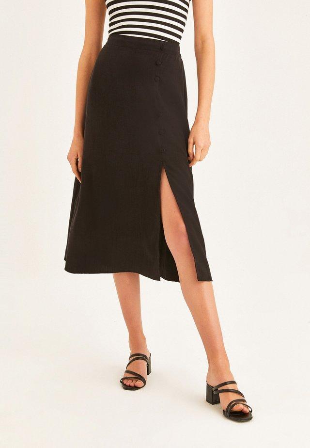 MIT VORDERSEITIGEM SCHLITZ - A-line skirt - schwarz
