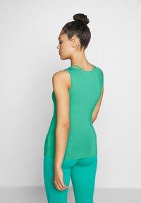 Curare Yogawear - TANK BOAT NECK - Topper - green lagoon - 2