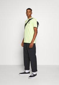 Cotton On - Print T-shirt - fluro green/phaze - 1