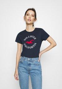 Hollister Co. - TIMELESS - Print T-shirt - navy blue - 0