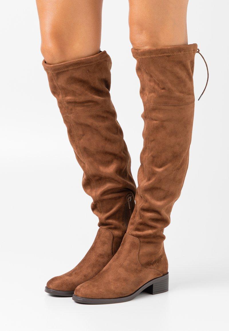s.Oliver - Høye støvler - cognac