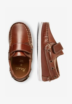 CHOCOLATE BOAT SHOES (YOUNGER) - Náuticos - brown