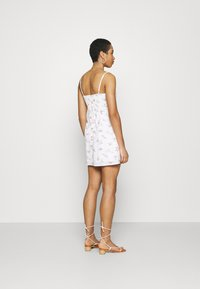Abercrombie & Fitch - BARE WRAP SHORT DRESS - Kjole - white - 2