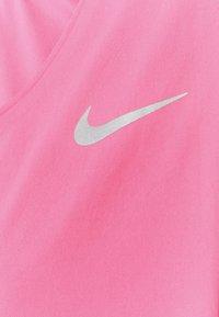 Nike Performance - CITY SLEEK - Camiseta estampada - pink glow/silver - 5