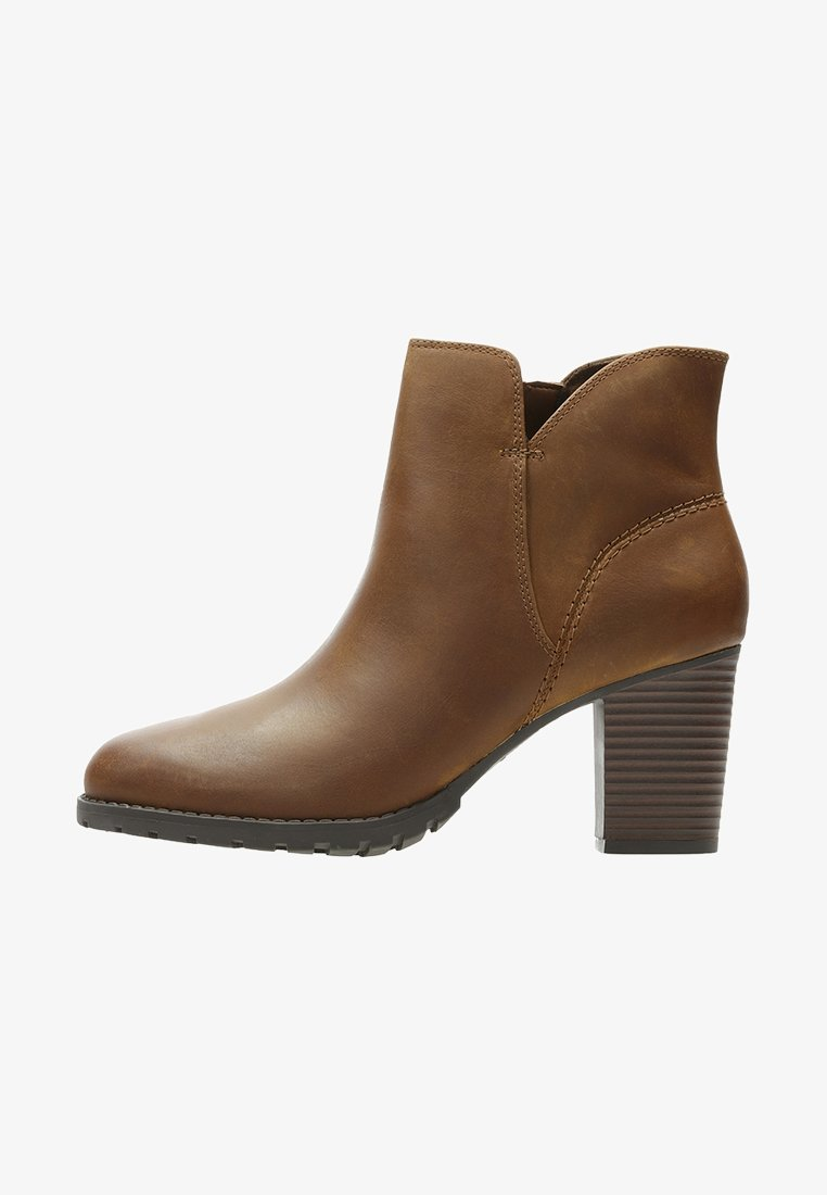 Clarks - VERONA TRISH - Classic ankle boots -  brown