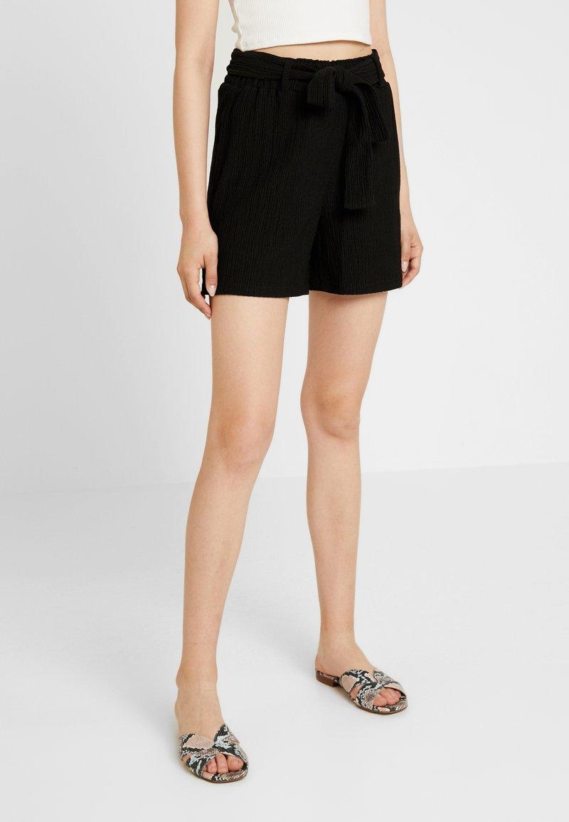 Noisy May - Shorts - black
