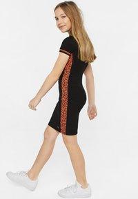 WE Fashion - Robe fourreau - black - 0