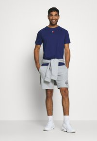 Tommy Hilfiger - CHEST LOGO - T-shirt basic - blue - 1