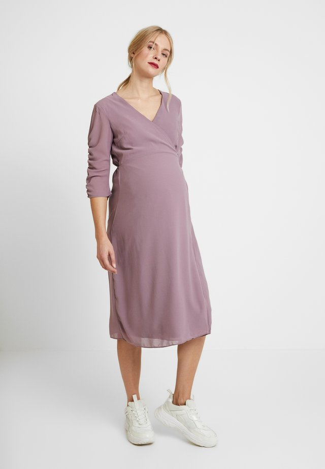 DRESS - Korte jurk - dusty lavender