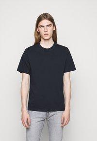 CLOSED - ROUND NECK  - T-shirt basic - dark night - 0