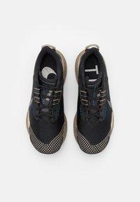 Nike Performance - PEGASUS TRAIL 3 DATR - Löparskor terräng - black/anthracite/hyper royal/summit white - 3
