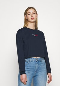 Tommy Jeans - BADGE LONGSLEEVE - T-shirt à manches longues - twilight navy - 0