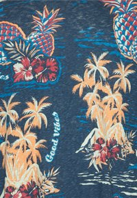 Jack & Jones - JORTROPICANA TEE CREW NECK - Print T-shirt - ensign blue - 2
