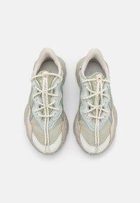 adidas Originals - OZWEEGO UNISEX - Baskets basses - halo greelumina/hazy green - 5
