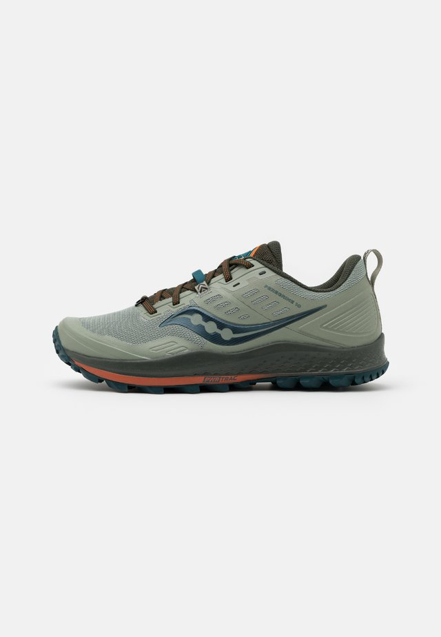 PEREGRINE 10 - Trail running shoes - pine/orange