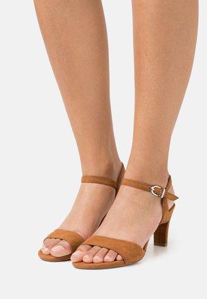 Sandals - muscat