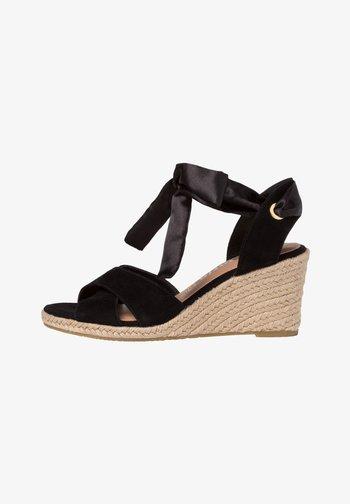 Sandály na klínu - black uni