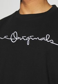 Karl Kani - ORIGINALS TEE UNISEX - T-shirt con stampa - black - 3