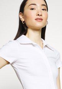 Glamorous - GLAMOROUS CARE CROP - Basic T-shirt - white - 4