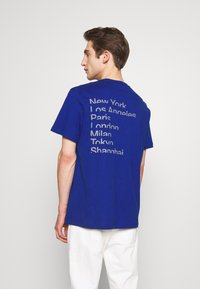 Michael Kors - CITY TEE - T-shirt con stampa - twilight blue - 2