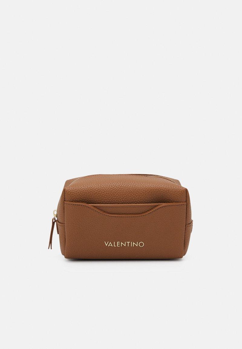 Valentino Bags - SUPERMAN - Wash bag - cognac
