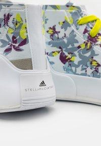 adidas by Stella McCartney - ASMC TREINO MID PRINTED - Sports shoes - footwear white/core black/acid yellow - 5