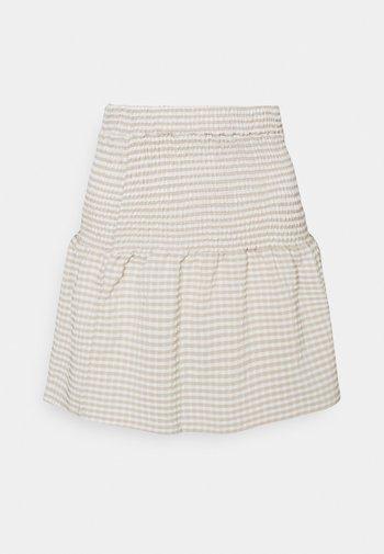 NMFENJA SMOCK SKIRT - Mini skirt - snow white