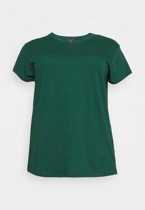BOYFRIEND TEE - T-shirts - mid green