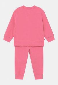 Tommy Hilfiger - BABY ESSENTIAL SET  - Survêtement - exotic pink - 1