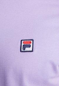 Fila - SEAMUS TEE - T-shirt med print - violet tulip - 5