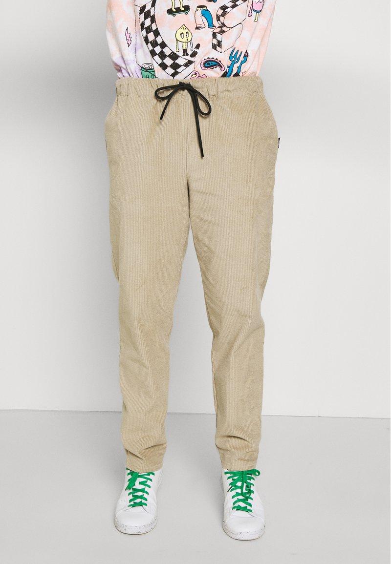 Vintage Supply - JUMBO JOGGER  - Pantalon classique - beige
