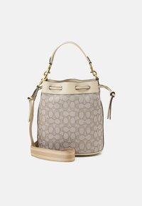 Coach - SIGNATURE FIELD BUCKET BAG - Handbag - stone ivory - 0
