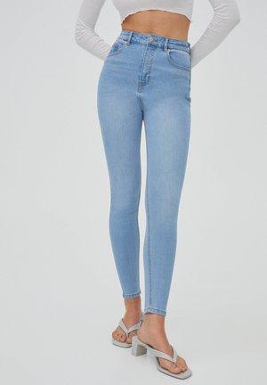 MIT HOHEM BUND - Skinny džíny - light-blue denim
