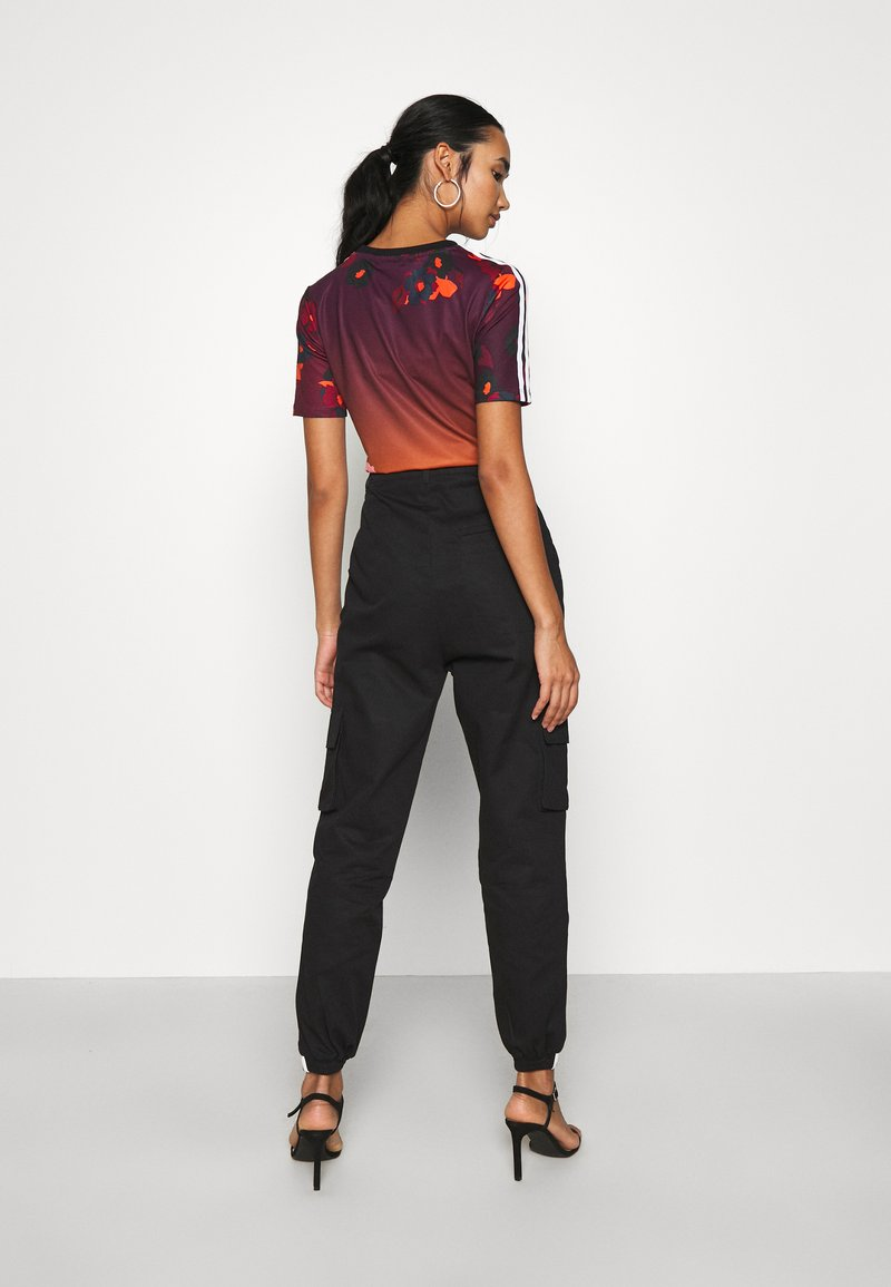 adidas Originals PANT - Cargohose - black/schwarz CZLArA