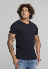 Liger - LIMITED TO 360 PIECES  - Basic T-shirt - navy - 3