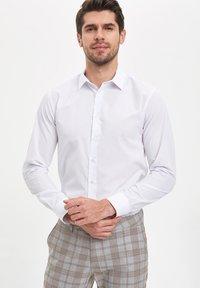 DeFacto - Formal shirt - white - 0