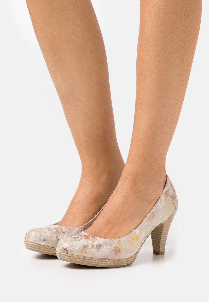 Marco Tozzi - COURT SHOE - Platform heels - dune