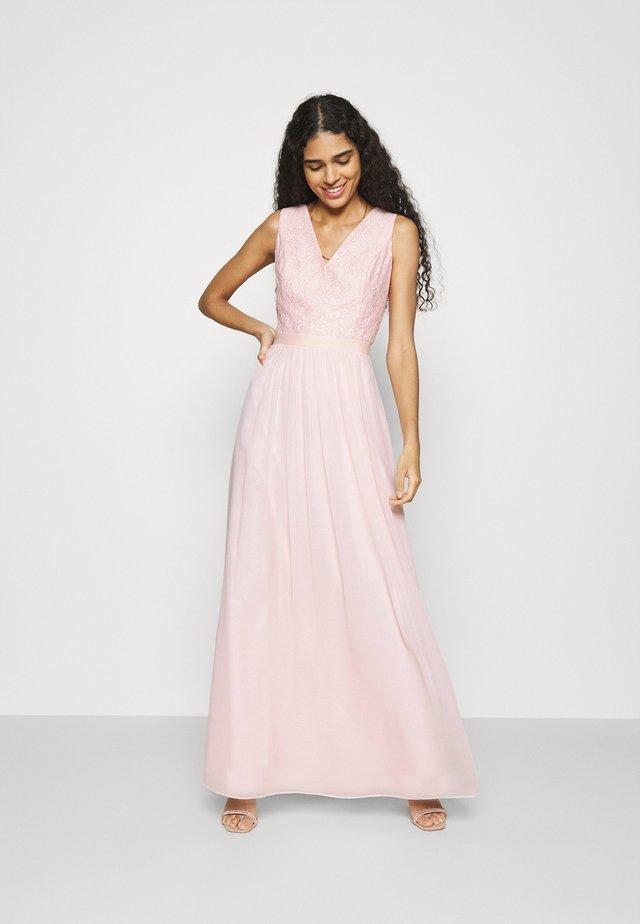 Společenské šaty - powder pink