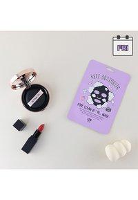 G9 - SELF AESTHETIC MAGAZINE - Set de soins du visage - - - 13