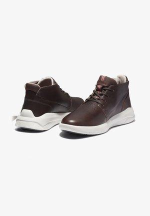BRADSTREET ULTRA CHUKKA - Höga sneakers - soil
