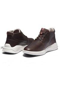 Timberland - BRADSTREET ULTRA CHUKKA - Sneakers hoog - soil - 2